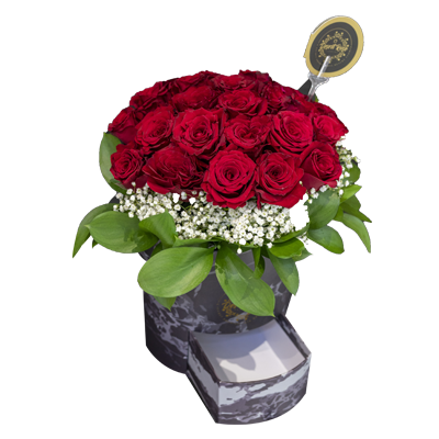 Red Roses in a Signature Black Box